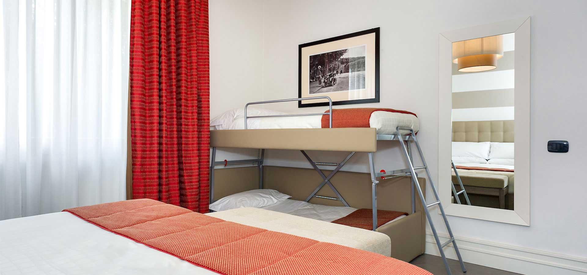 camera quadrupla hotel a Lucca